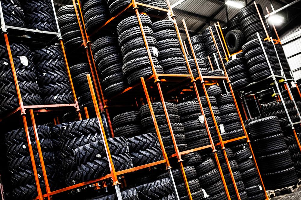 Broson Steel – Bild på ett rack med hjul